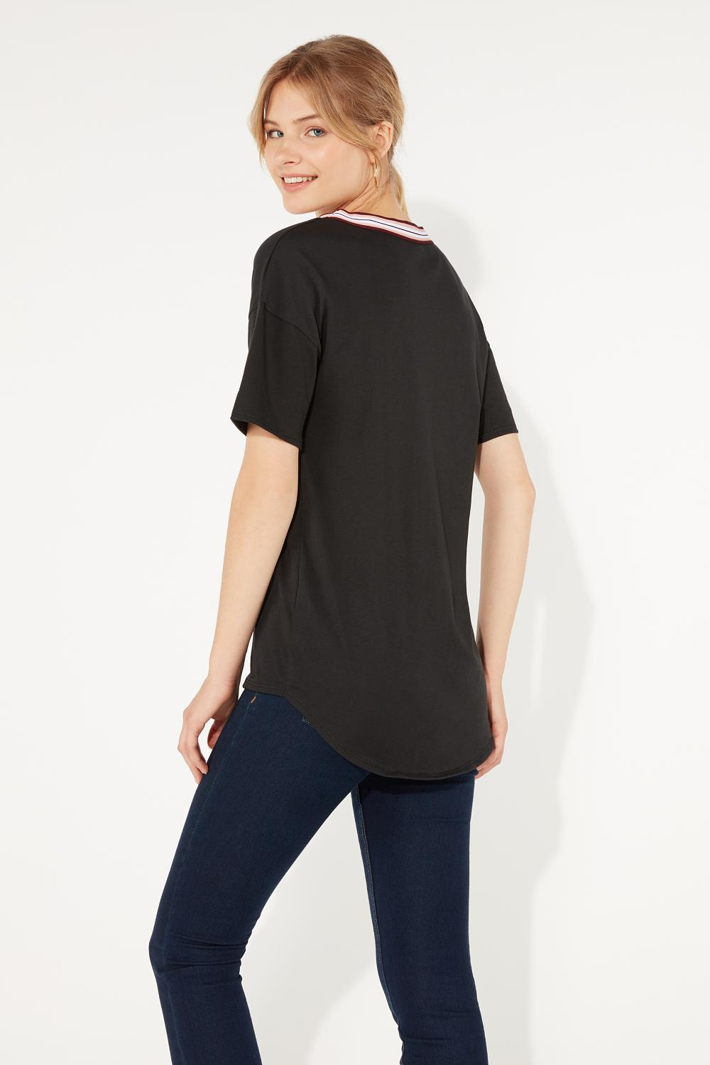 Sporty Chic V-neck T-shirt
