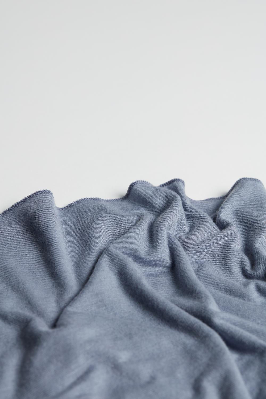 Camisola Ultraleve em Caxemira Modal Gola Barco
