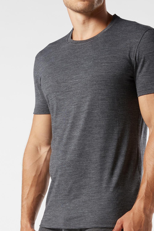 Short-Sleeve T-Shirt in Stretch Merino Wool