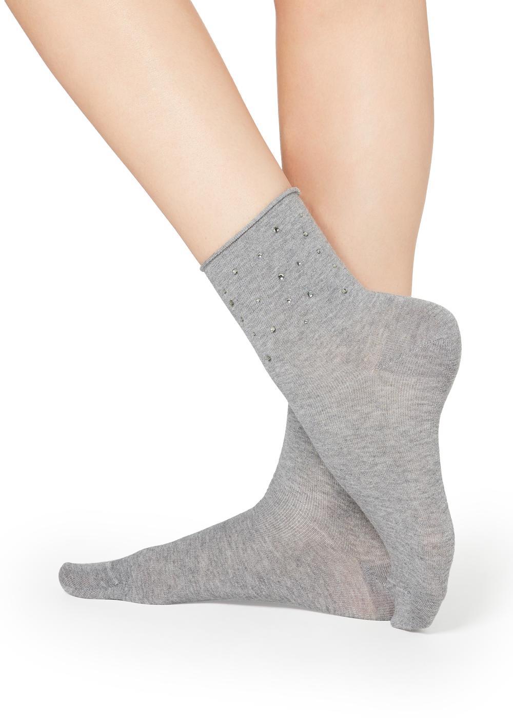 Patterned Appliqué Short Socks