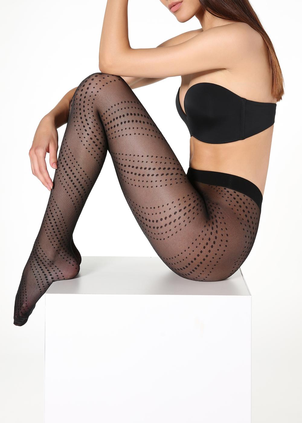 Collants à pois et spirale