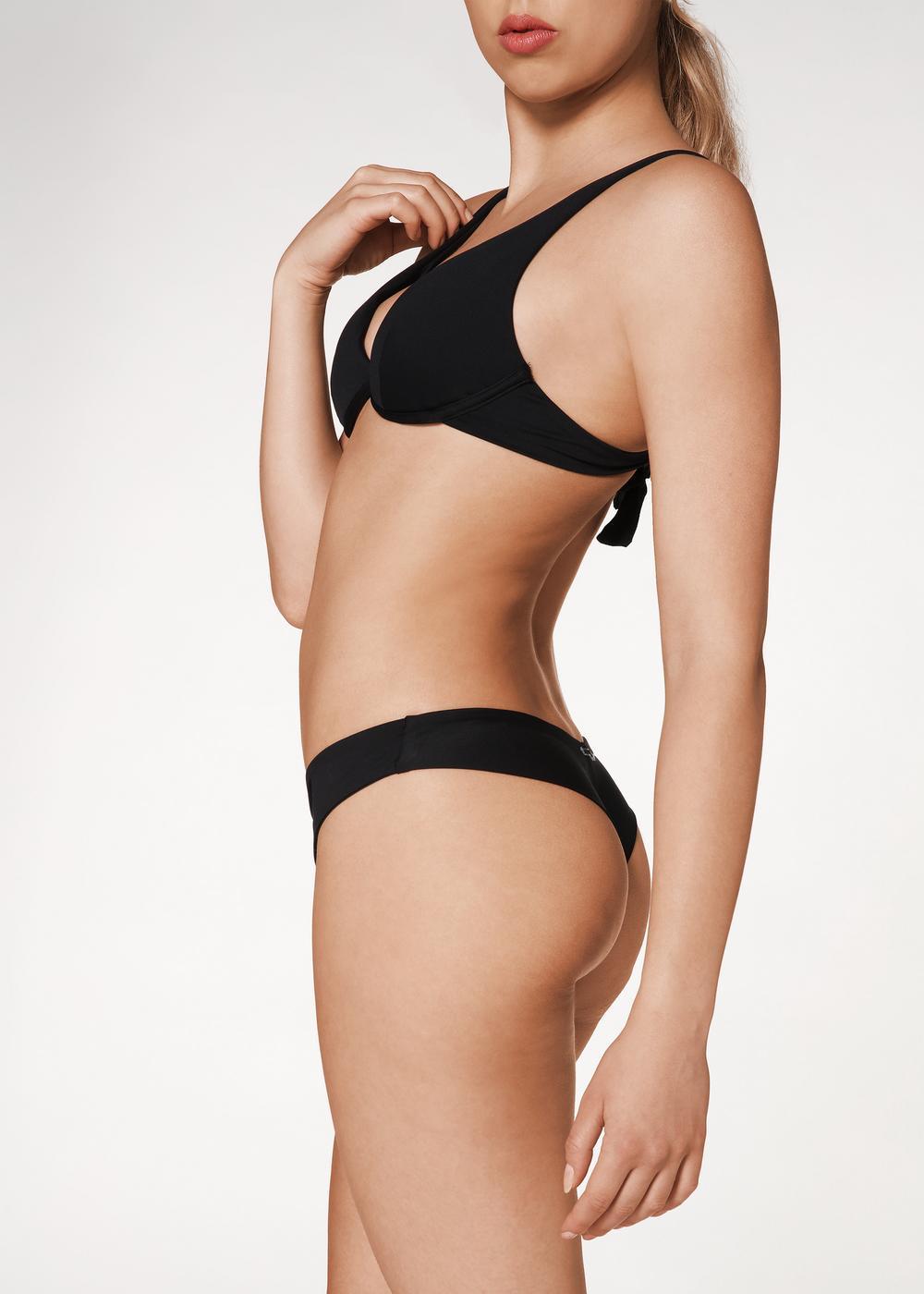 Braguita de bikini brasileña estilo ochentero Indonesia