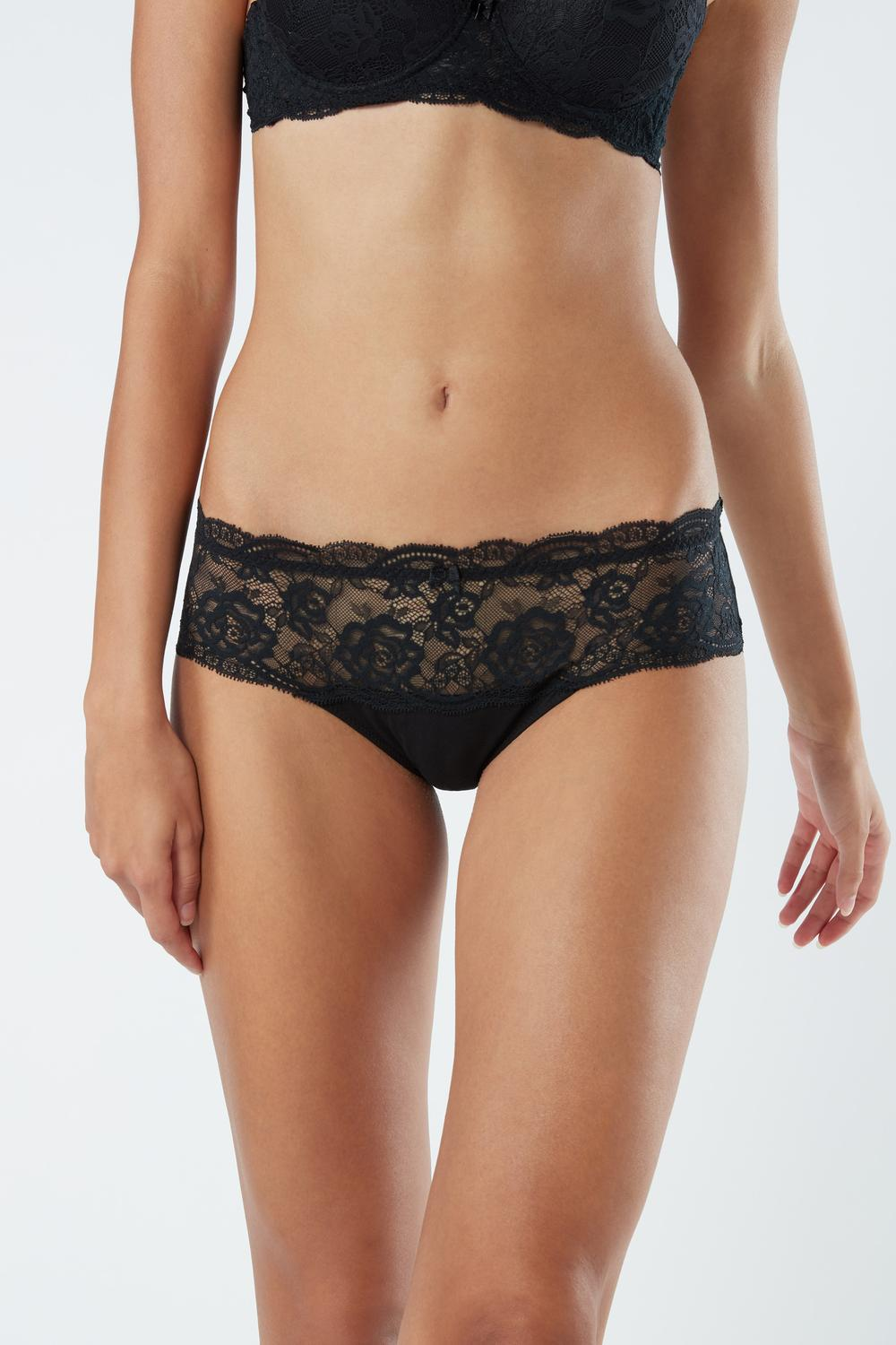 Semi-High Rise Briefs in Lace and Natural Cotton
