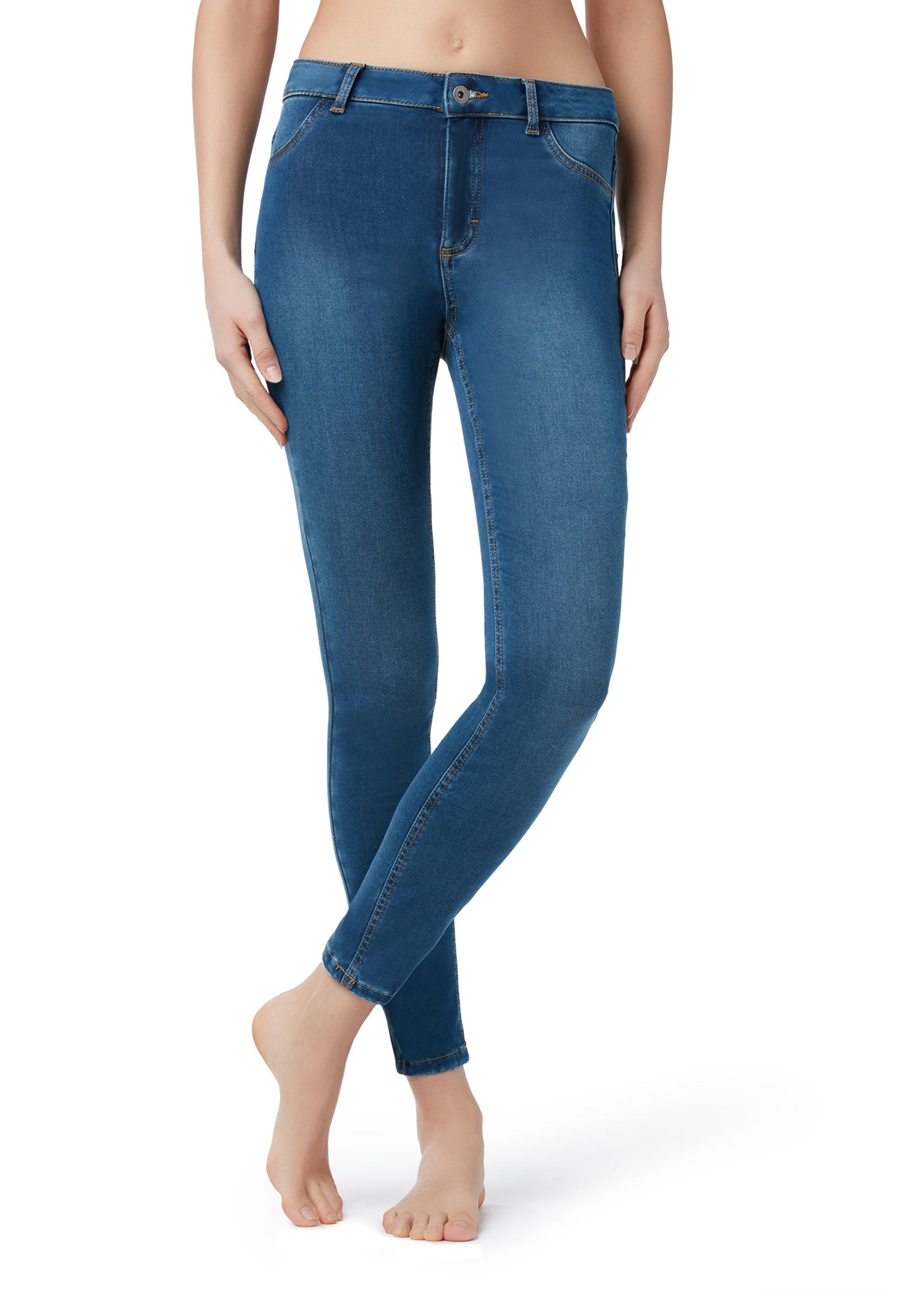 Обтягивающие джинсы на попе сексуально