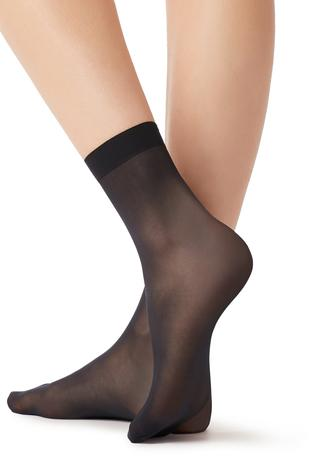Compra calcetines fashion y basic para mujer en Calzedonia d1bce500e095