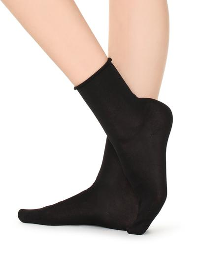 Short Lisle Socks with Raw Cut Cuffs