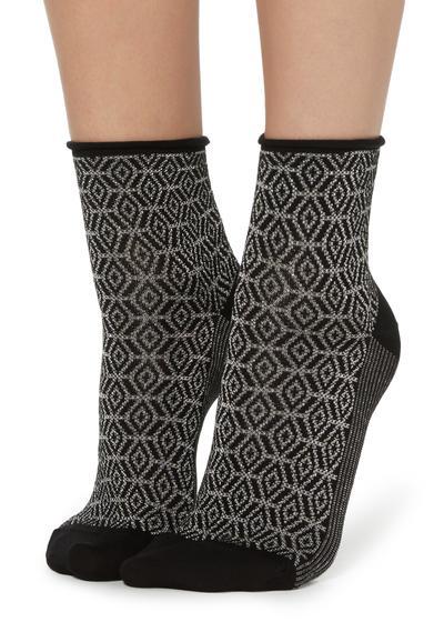 Fancy patterned ribbed socks