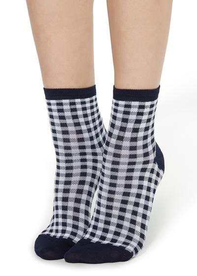 Fancy socks with geometric pattern