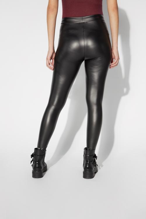 929f6c0ae0 Fedezd fel a női leggings kollekciót! Vásárolj online -Tezenis